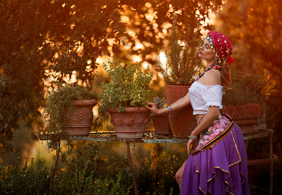 Gypsy Woman / Photography by IainT, Model Artemis Fauna, Post processing by Artemis Fauna, Stylist Artemis Fauna, Taken at Artemisian Luxury Photographic Holidays / Uploaded 12th December 2019 @ 05:04 PM