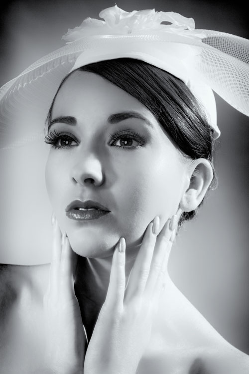 White Hat / Photography by AlanJ, Model Tammy12 / Uploaded 14th August 2012 @ 04:24 PM