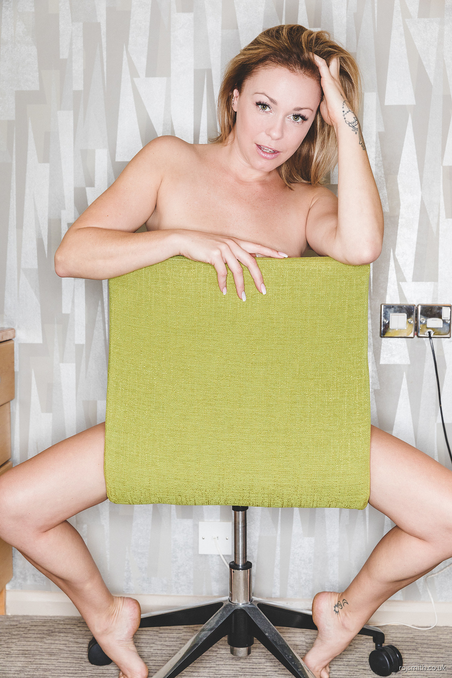 Chair Nude / Photography by Roj Smith, Model UkCuteGirl  Lucy / Uploaded 4th October 2018 @ 08:30 AM