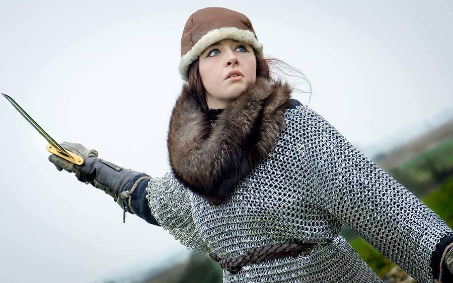Girl in Armour / Photography by Triskele2018, Model Maretta Vergette / Uploaded 5th June 2017 @ 10:47 PM
