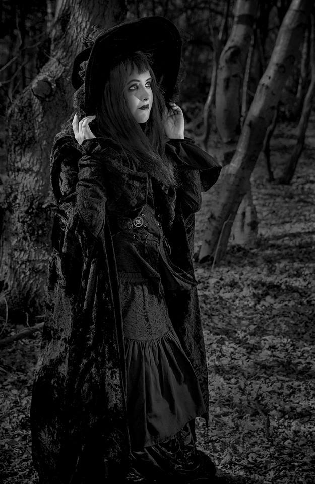 Witch / Photography by deadlydan13, Model Maretta Vergette / Uploaded 30th March 2018 @ 05:49 PM