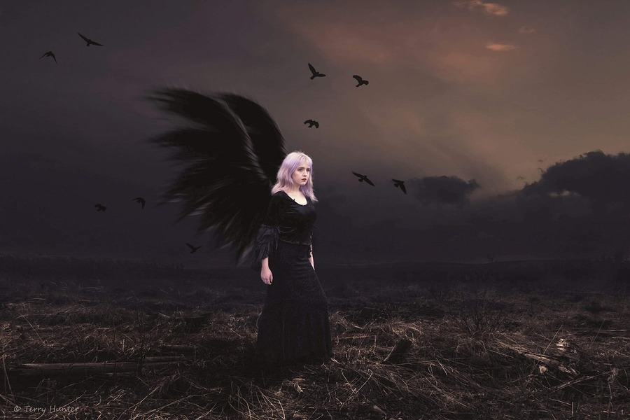 Fallen angel / Photography by HunterPhotography, Model Maretta Vergette, Post processing by HunterPhotography / Uploaded 10th January 2019 @ 02:05 PM