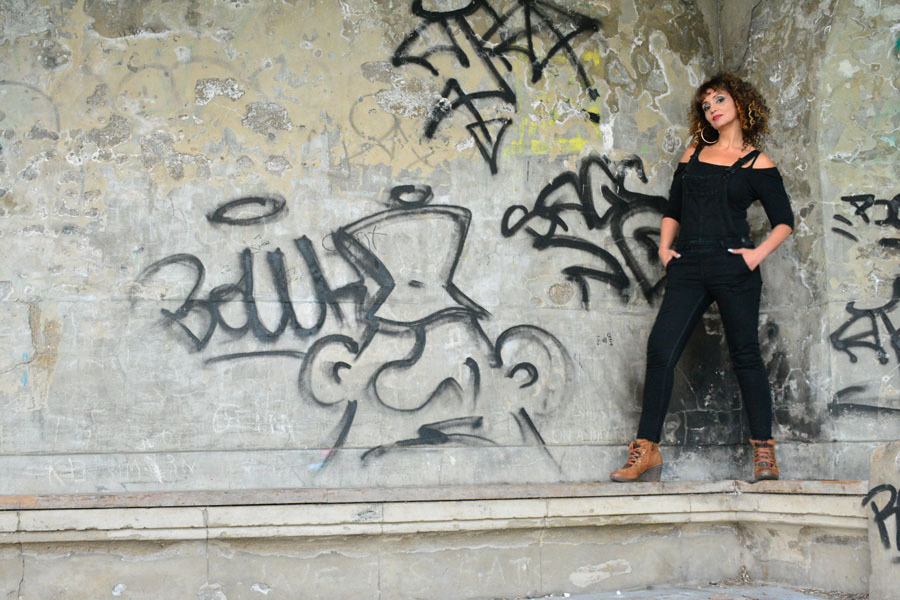 Graffiti / Photography by AW DSLR, Model Mystique / Uploaded 29th October 2016 @ 11:33 PM