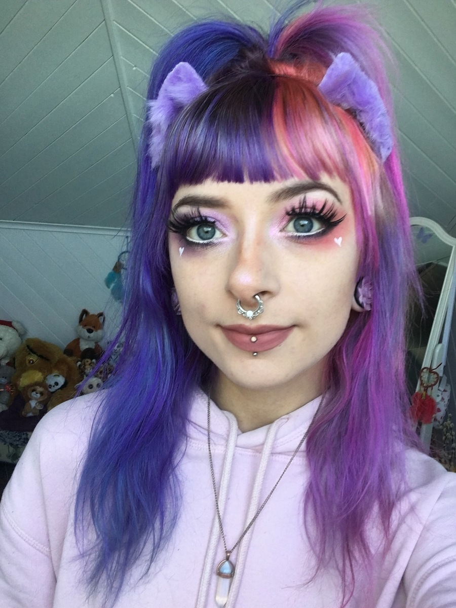 New Hair Selfie / Model Lily Moonflower, Makeup by Lily Moonflower / Uploaded 22nd September 2019 @ 09:32 AM