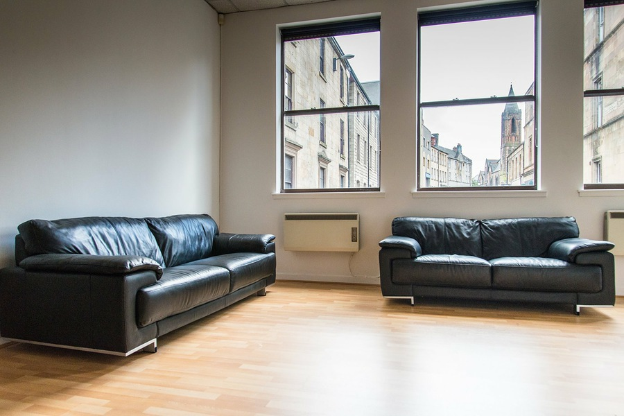 Leather sofas / Taken at Studio 12 Photography Paisley / Uploaded 12th September 2016 @ 03:54 PM