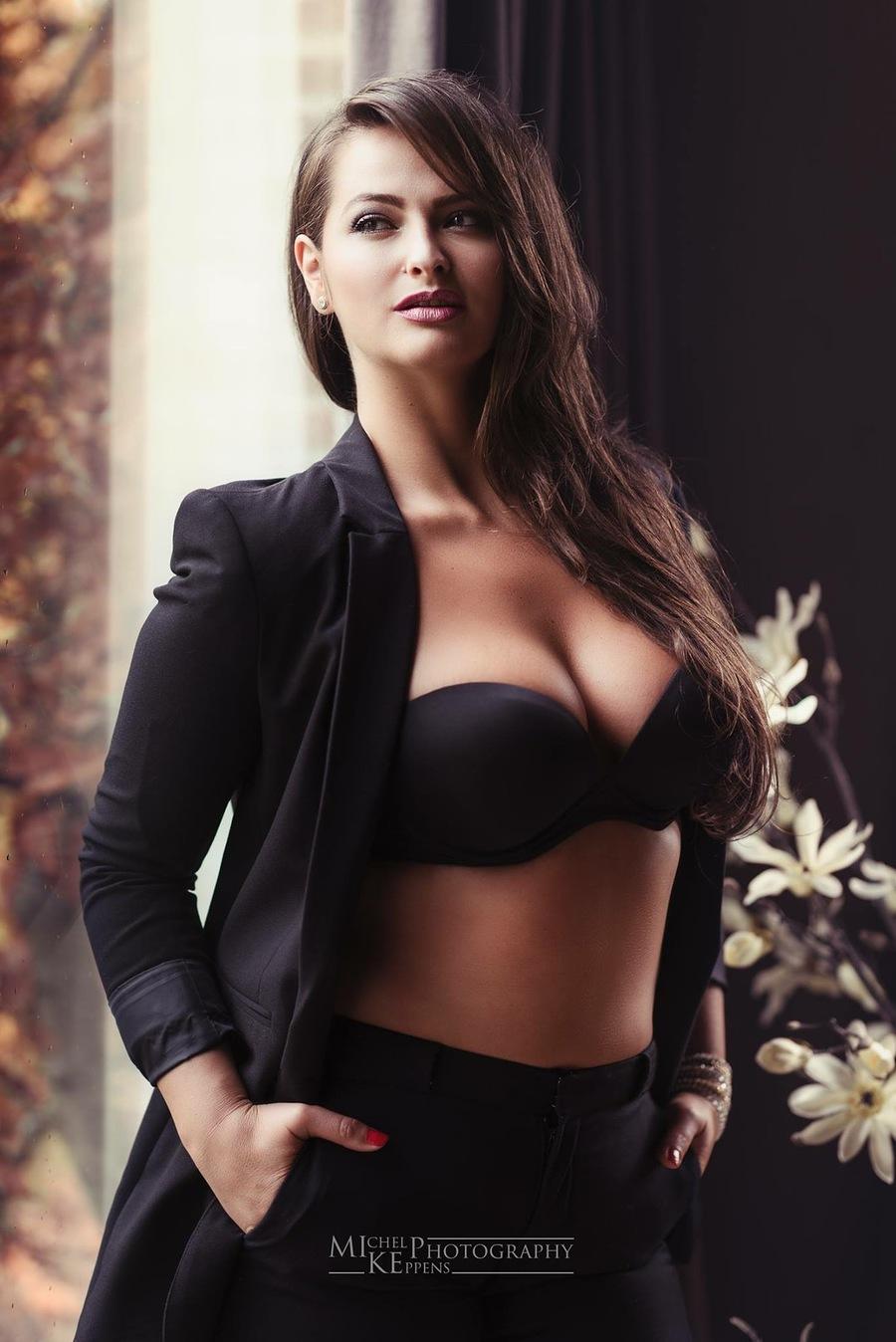 Model Adela Lupse / Uploaded 26th September 2016 @ 09:58 PM