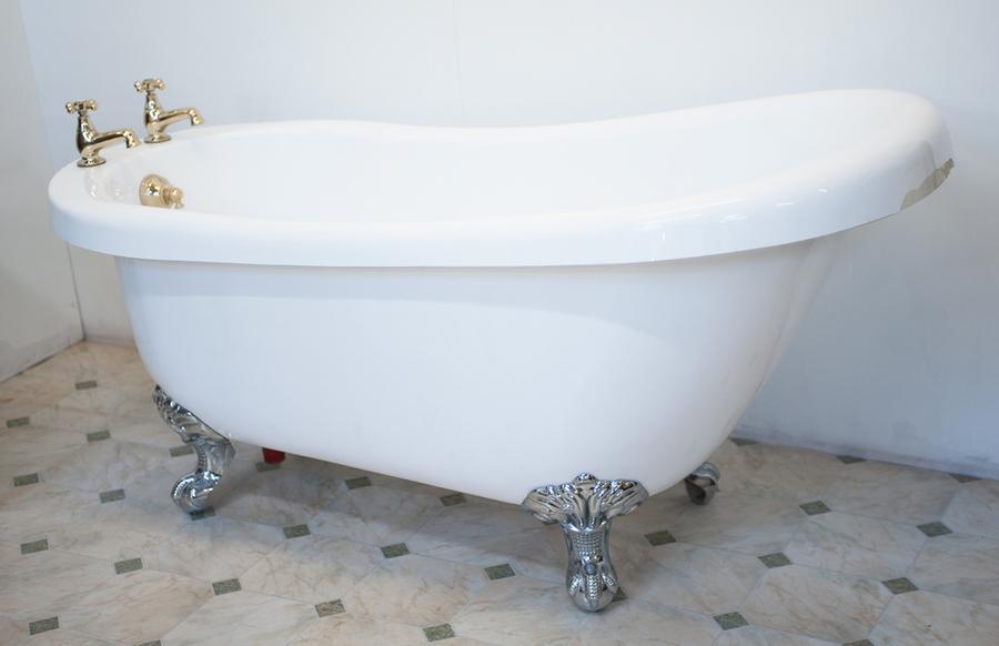 Slipper bath 2 / Taken at Full Moon Studio / Uploaded 4th June 2013 @ 11:02 AM