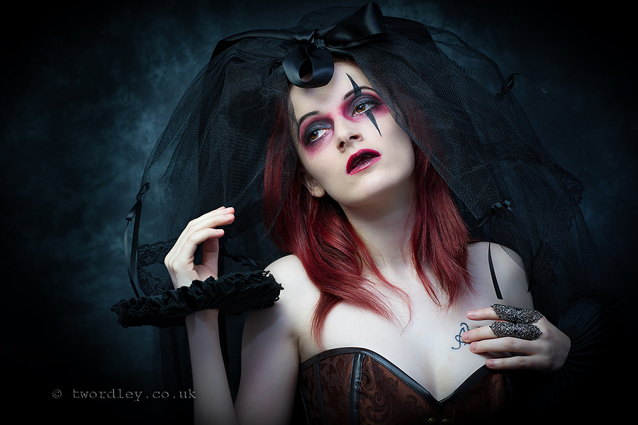 I'll be your Clown / Photography by Trev, Model WhiteRabbitAlice, Makeup by The velvet unicorn, Post processing by Trev / Uploaded 26th June 2015 @ 09:13 PM