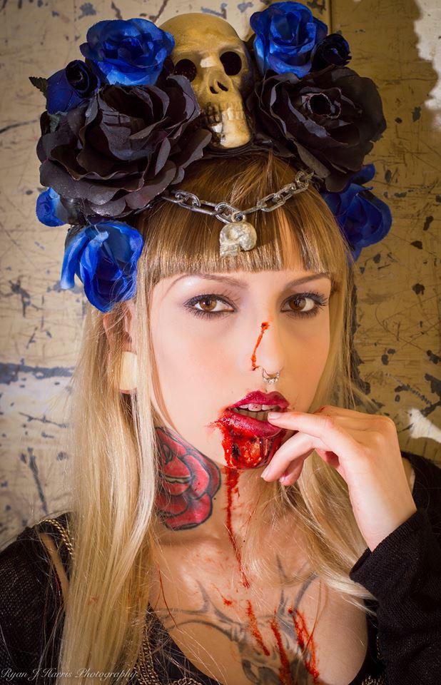 'Vampiress' (2016) / Model Doli, Makeup by SkulledRabbitFX / Uploaded 9th October 2016 @ 07:06 PM