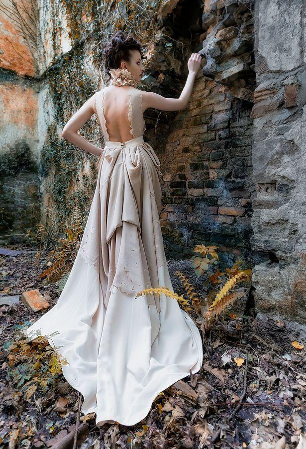 Graduate collection / Designer LianCara / Uploaded 6th February 2018 @ 09:31 PM