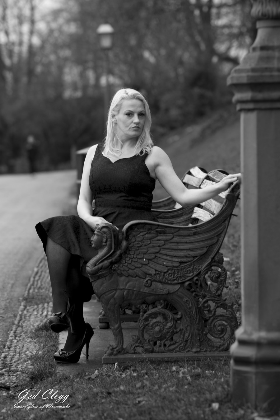 Bench / Photography by InnerGlow Photography Morecambe, Model tinkerbelle75, Post processing by InnerGlow Photography Morecambe / Uploaded 29th December 2018 @ 06:10 PM