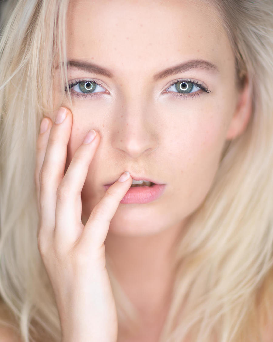 Look into my eyes not around the eyes / Photography by Dan Tidswell, Model NatashaOliver, Taken at The Loft Studio / Uploaded 16th September 2019 @ 10:02 AM