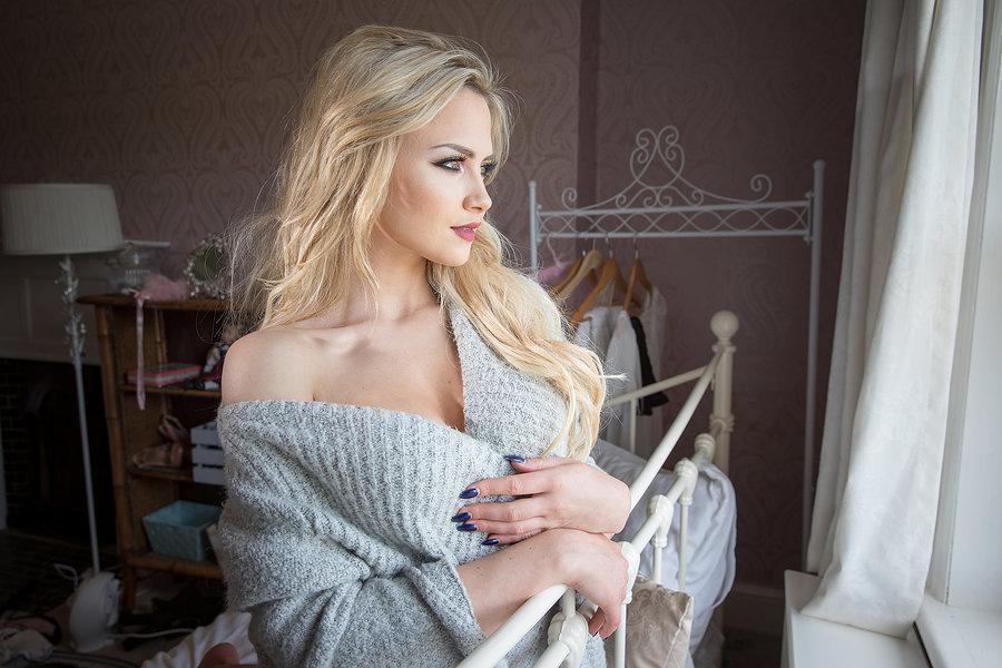 Lounging / Photography by Ashley barnard, Model Katie Royle, Taken at Sandon Studio / Uploaded 15th April 2017 @ 01:36 PM