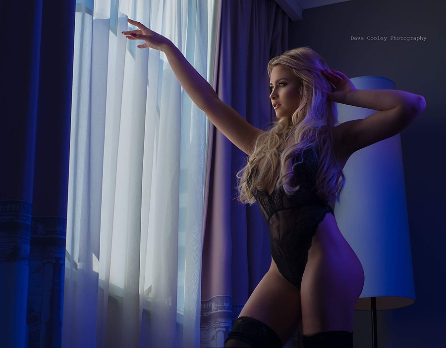 Lighting up the nighttime / Photography by Cooleyballs, Model Katie Royle / Uploaded 2nd June 2017 @ 06:37 PM
