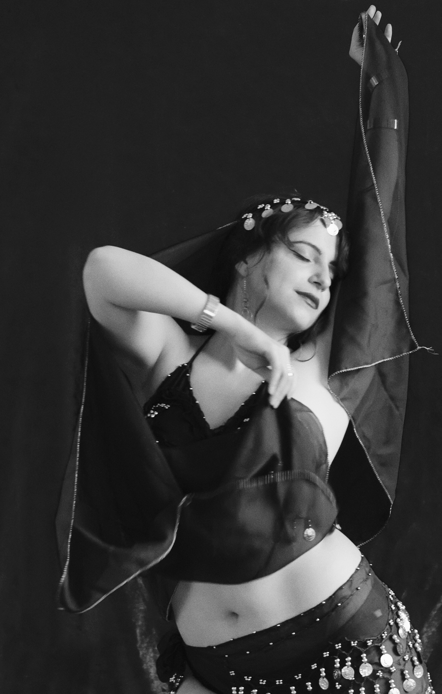 Zara queen of the silver screen in a silent movie / Photography by MichaelG5, Model Zara Liore / Uploaded 10th July 2018 @ 09:34 PM
