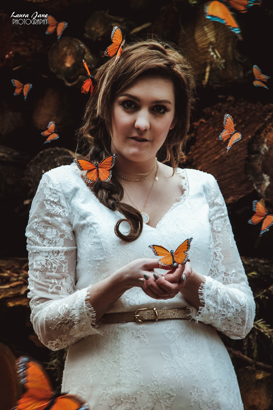 Butterfly kisses :) / Photography by Lauraj87, Model littlerayofsunshine, Post processing by Lauraj87, Assisted by Leon W / Uploaded 14th January 2018 @ 11:40 PM
