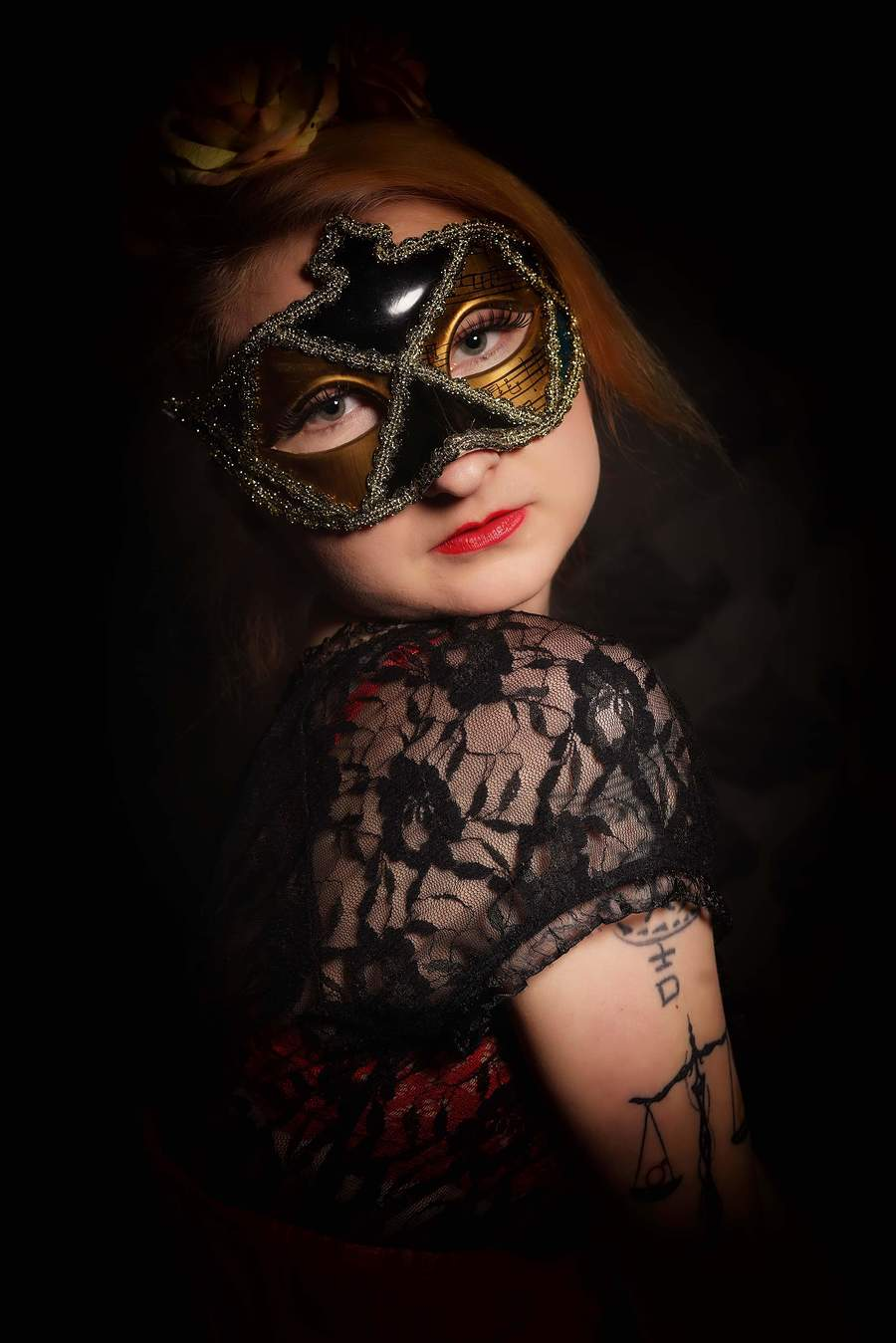 What lies behind the mask? / Photography by Petrol Junkies, Model Scarlet Phoenixx, Makeup by Zoe H (MUA), Taken at PGD Modelling and Photography Studios / Uploaded 19th July 2019 @ 11:55 AM