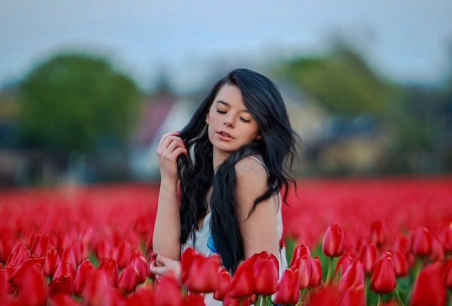 Tulip fields in Amsterdam. / Photography by Yev, Model chloesul / Uploaded 15th April 2019 @ 07:58 PM