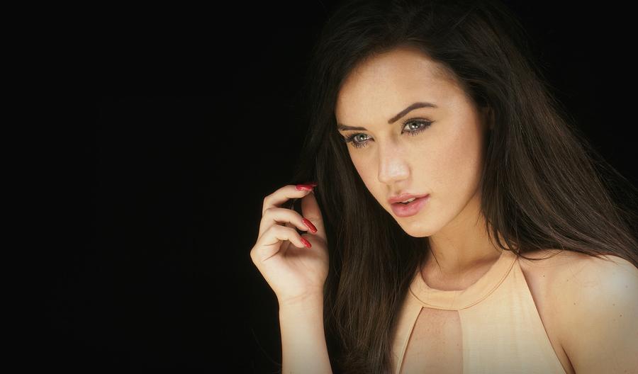 EJH / Photography by ~ Z 00MY ~, Model EllieJH, Makeup by EllieJH / Uploaded 1st November 2016 @ 05:40 PM
