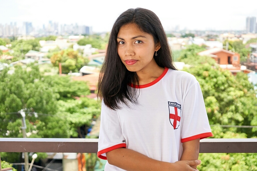 Abie supporting England in the Philippines / Photography by S.J.L Photography / Uploaded 24th June 2017 @ 07:08 PM