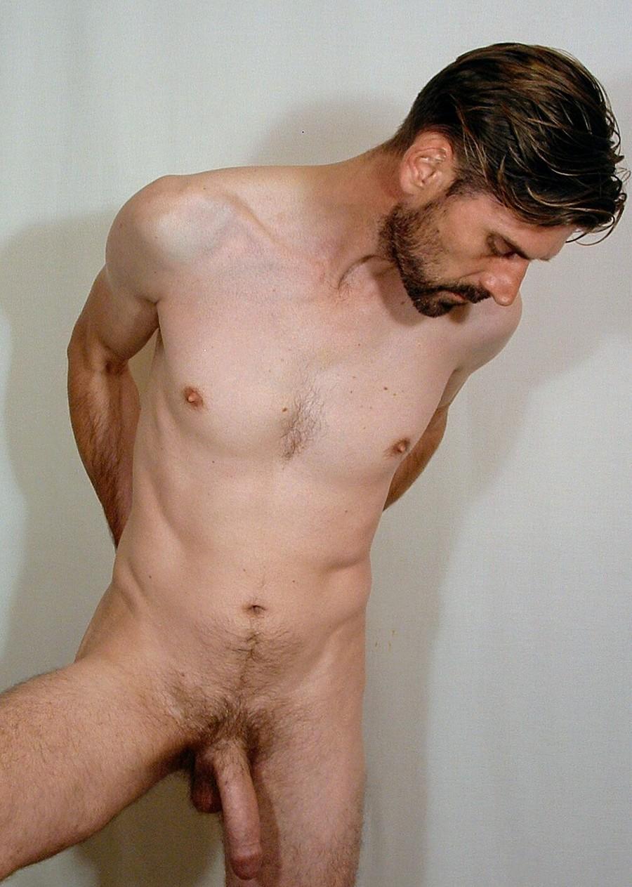 Nguyen Stanton  nackt