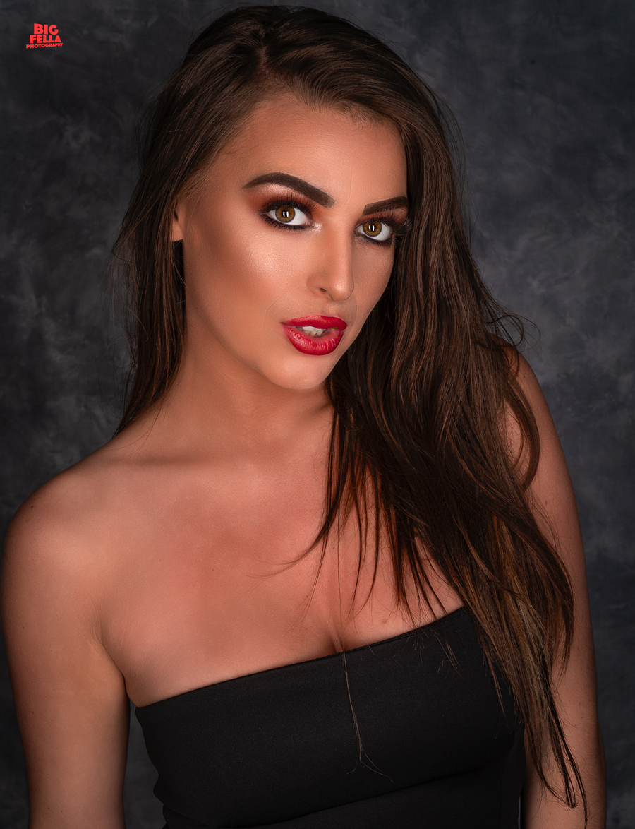 The Chelsea Look / Photography by Big Fella Photography, Model Chelsea Greenwood, Makeup by Chelsea Greenwood, Taken at msfoto, Hair styling by Chelsea Greenwood / Uploaded 22nd April 2018 @ 09:22 AM