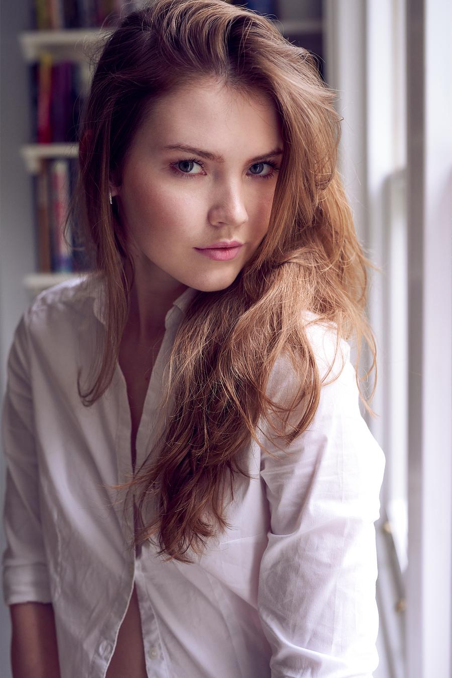 Model Chloe. / Uploaded 25th October 2017 @ 12:23 PM