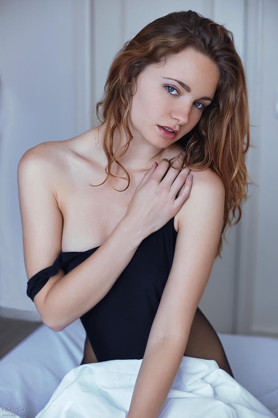 Coy / Model Evelyn Sommer / Uploaded 15th April 2019 @ 11:54 PM