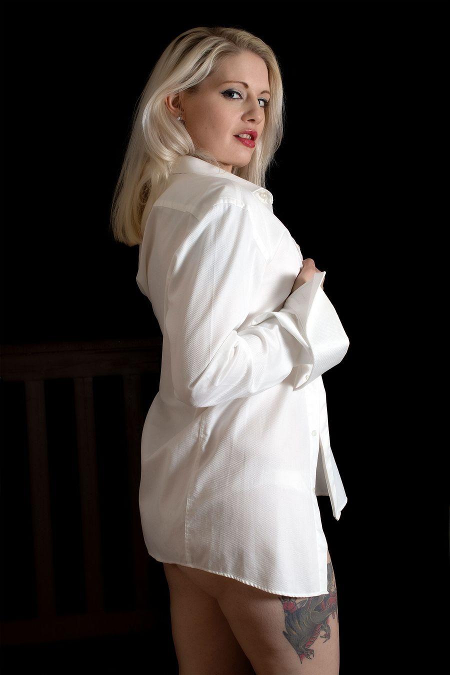 Stayin Over.... / Photography by StarskPhoto, Model Melanie Bond (Butler), Makeup by Melanie Bond (Butler), Post processing by StarskPhoto, Stylist Melanie Bond (Butler), Hair styling by Melanie Bond (Butler) / Uploaded 14th December 2019 @ 06:36 PM