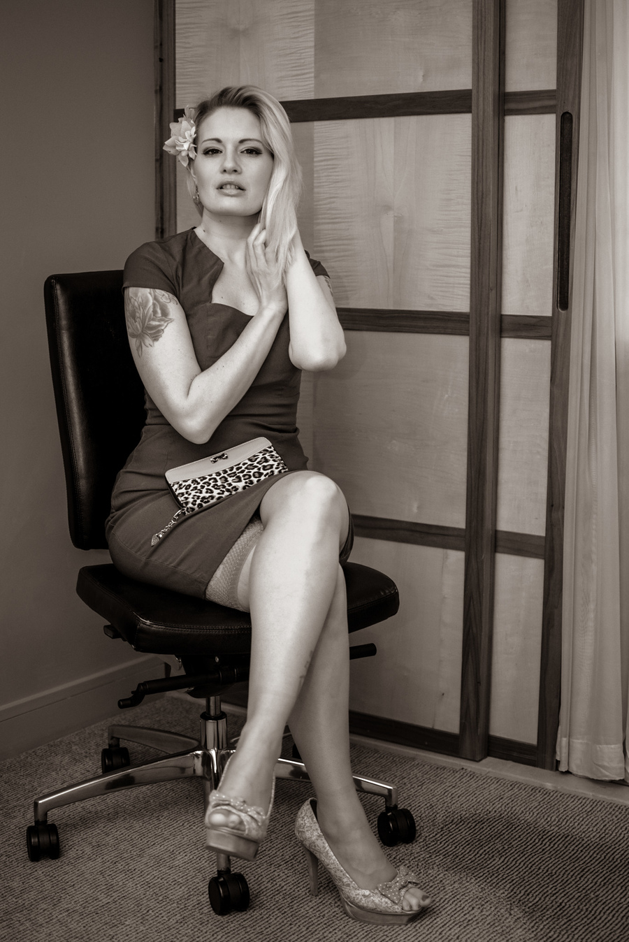 Rendezvou... / Photography by Ajfx87, Model Melanie Bond (Butler), Makeup by Melanie Bond (Butler), Post processing by Ajfx87, Stylist Melanie Bond (Butler), Hair styling by Melanie Bond (Butler) / Uploaded 27th February 2020 @ 05:49 PM