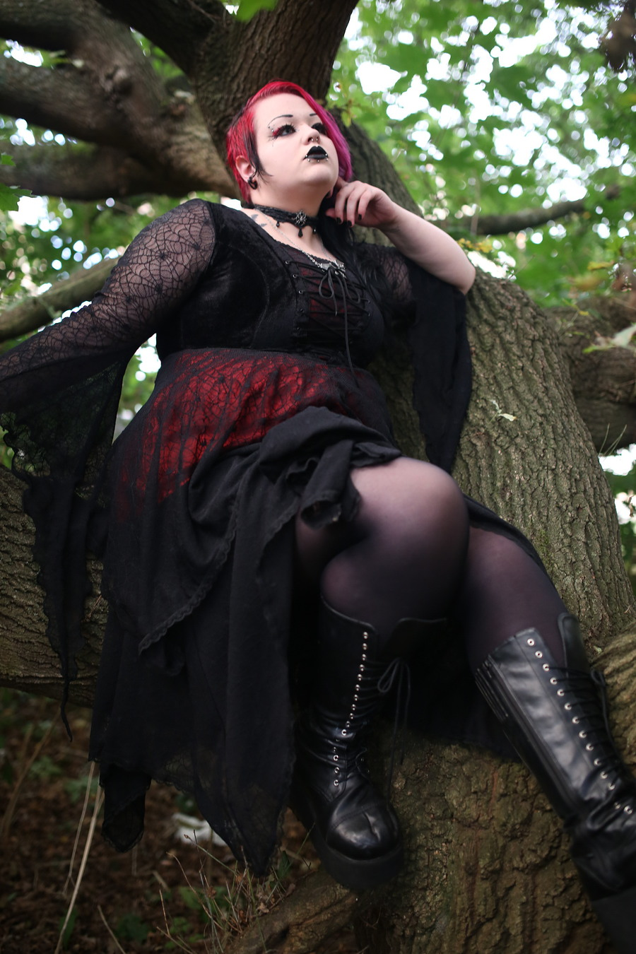 Goff in a tree / Photography by swchughes, Model Alice Autopsy / Uploaded 10th December 2017 @ 02:38 PM