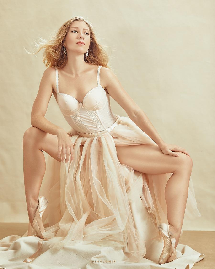 Beige / Model PoppySeed Dancer / Uploaded 26th March 2020 @ 04:57 PM