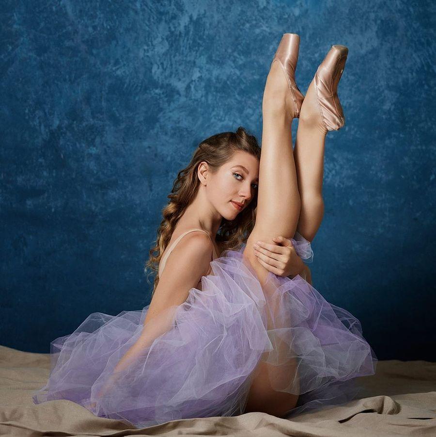Up in the air / Model PoppySeed Dancer / Uploaded 1st April 2020 @ 07:48 PM