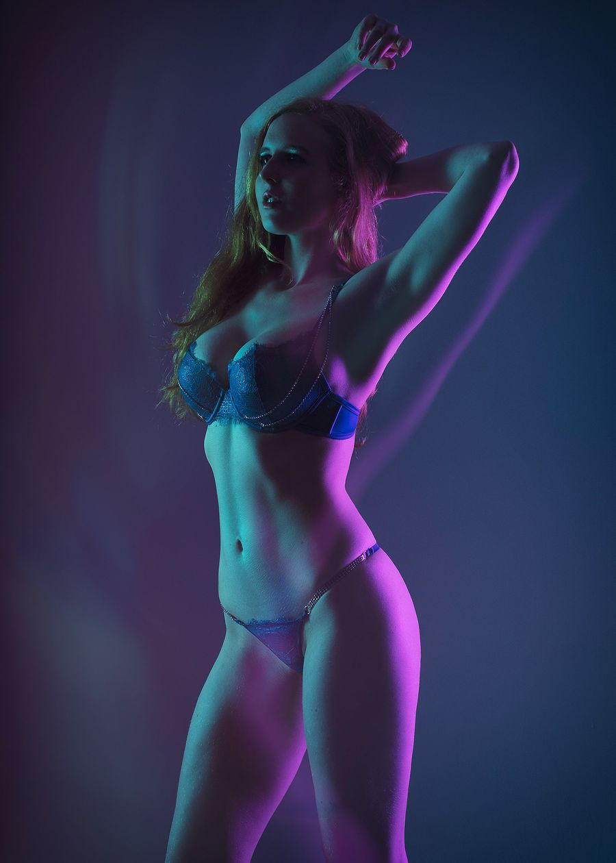 Photography by Abstract Reality, Model Aurora Phoenix, Taken at Neon Dreams Studio / Uploaded 15th August 2020 @ 02:59 PM