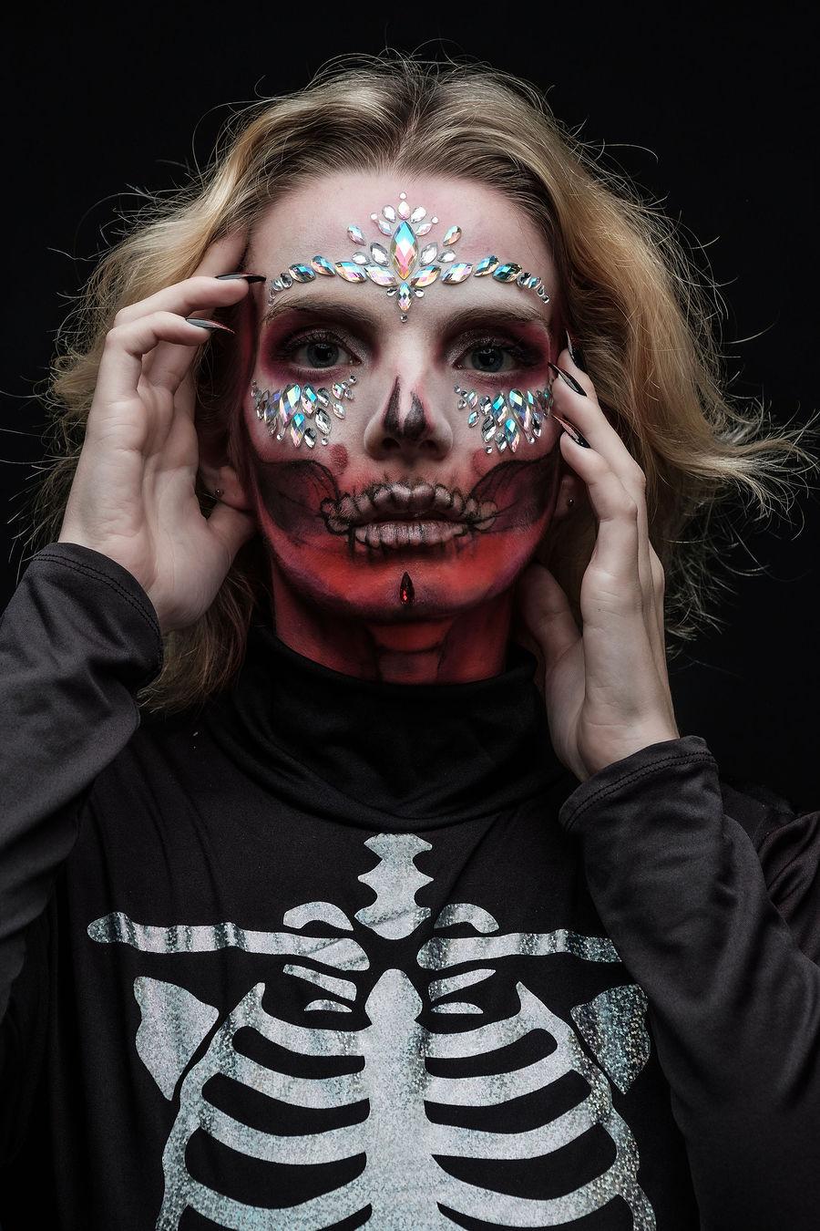 Those powerful eyes! / Photography by Iain Blacklock, Model LeahMeraki, Stylist LeahMeraki, Taken at Rochester Studios / Uploaded 1st November 2020 @ 09:22 AM