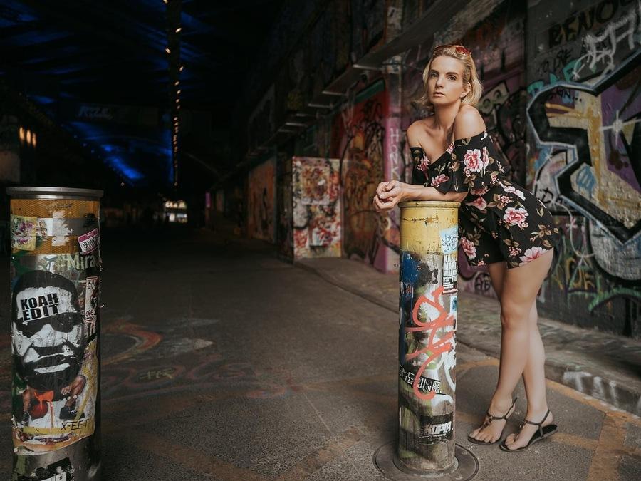 Taking a quick break / Photography by Simon Grimes, Model LeahMeraki / Uploaded 12th November 2020 @ 11:16 AM