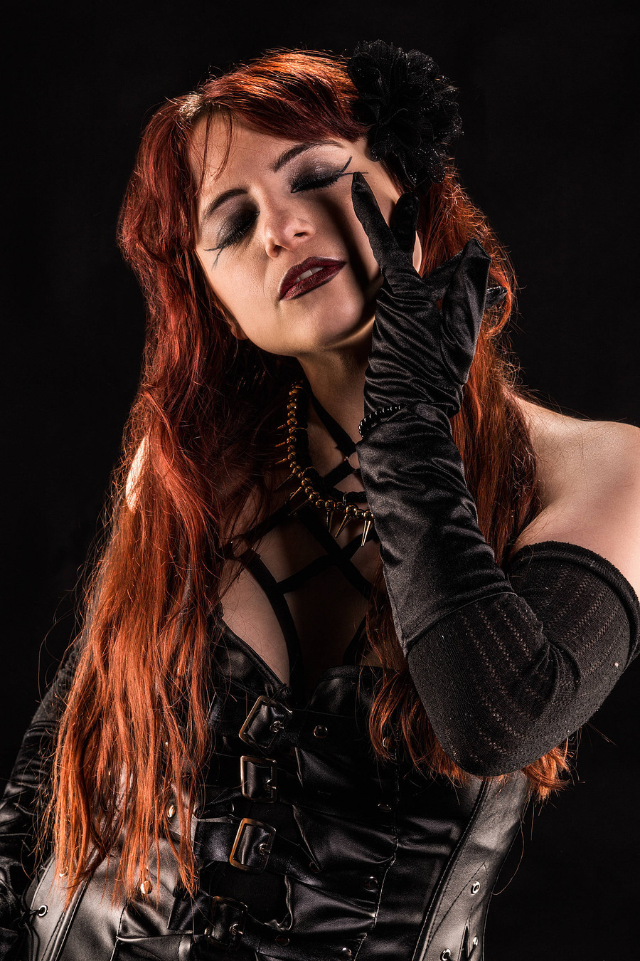 Zara Liore the gothic princess / Photography by Airjohn, Model Zara Liore, Makeup by Zara Liore / Uploaded 22nd June 2018 @ 12:25 PM