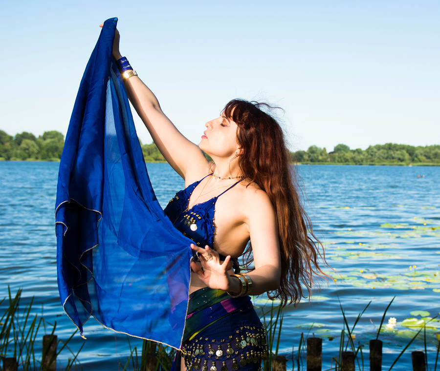 Zara Liore: Gypsy bellydancer at the lake / Photography by Vincent den Boer, Model Zara Liore, Makeup by Zara Liore / Uploaded 12th July 2018 @ 11:20 AM