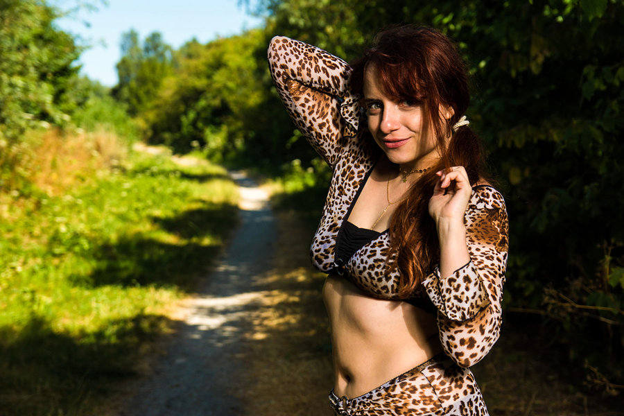 Zara Liore welcomes you along the jungle safari path / Photography by Vincent den Boer, Model Zara Liore, Makeup by Zara Liore / Uploaded 16th July 2018 @ 03:24 PM