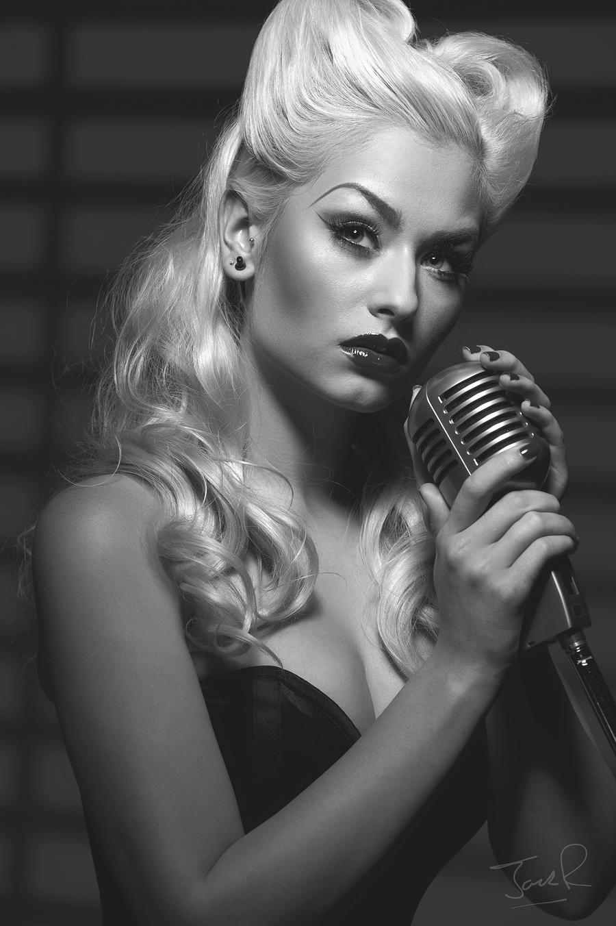 Singing the Blues / Model Romanie Smith, Makeup by Romanie Smith, Taken at Aura Photographic Studio / Uploaded 22nd September 2014 @ 08:20 AM