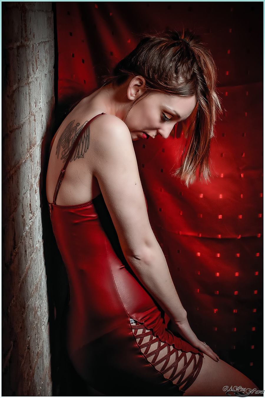 Lady in red / Photography by RAWing Waves, Model Madame Cerise, Taken at Art Asylum Reloaded Photo Studio / Uploaded 25th April 2018 @ 01:59 PM