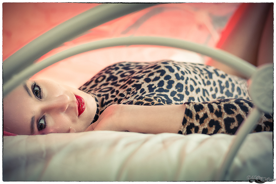 Cat dreams / Photography by RAWing Waves, Model Madame Cerise, Taken at Art Asylum Reloaded Photo Studio / Uploaded 13th February 2019 @ 08:38 PM