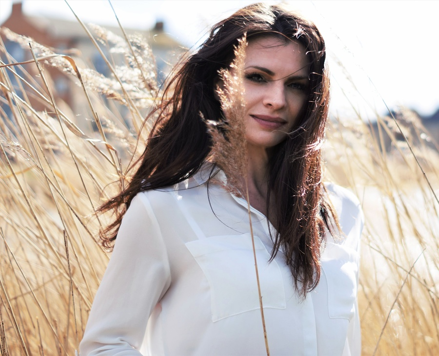 Warm smile, white blouse / Photography by Stenning, Post processing by Stenning / Uploaded 10th March 2019 @ 12:00 AM