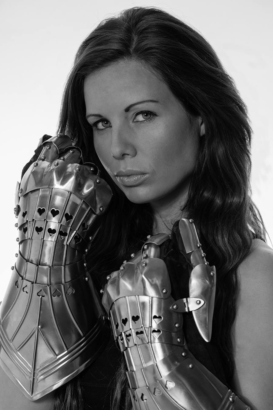 Fiona York Knight's Armour / Photography by Andy Oliver, Model Fiona, Post processing by Andy Oliver, Taken at Ollie's Studio / Uploaded 24th November 2017 @ 10:00 PM