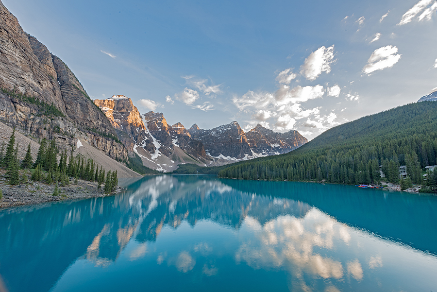 Moraine Lake, Canada Lake Reflection / Photography by Andy Oliver, Post processing by Andy Oliver / Uploaded 10th February 2019 @ 10:52 AM