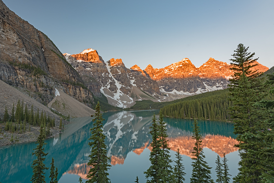 Moraine Lake Early Morning Sunrise. / Photography by Andy Oliver, Post processing by Andy Oliver / Uploaded 10th February 2019 @ 11:14 AM