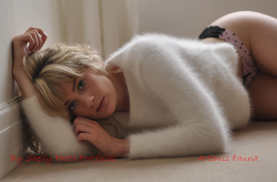 Photography by Shelly, Model Artemis Fauna / Uploaded 25th August 2012 @ 11:57 PM