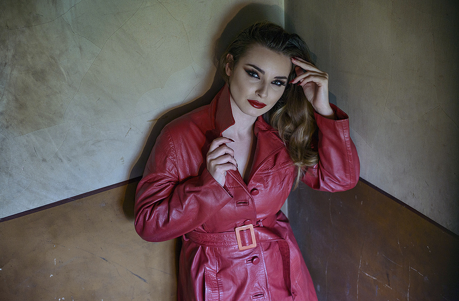 Vallis - The Red Coat / Photography by Stephan_d, Model Valis Volkova, Post processing by Stephan_d / Uploaded 16th December 2017 @ 09:27 AM