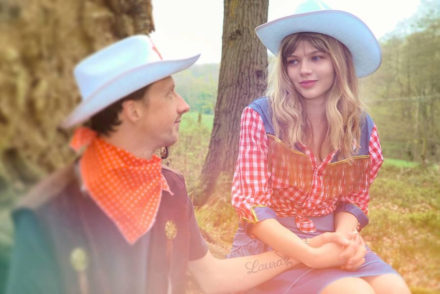 Country shoot / Model Jade3, Taken at Far Forest Studio / Uploaded 22nd April 2018 @ 08:55 PM