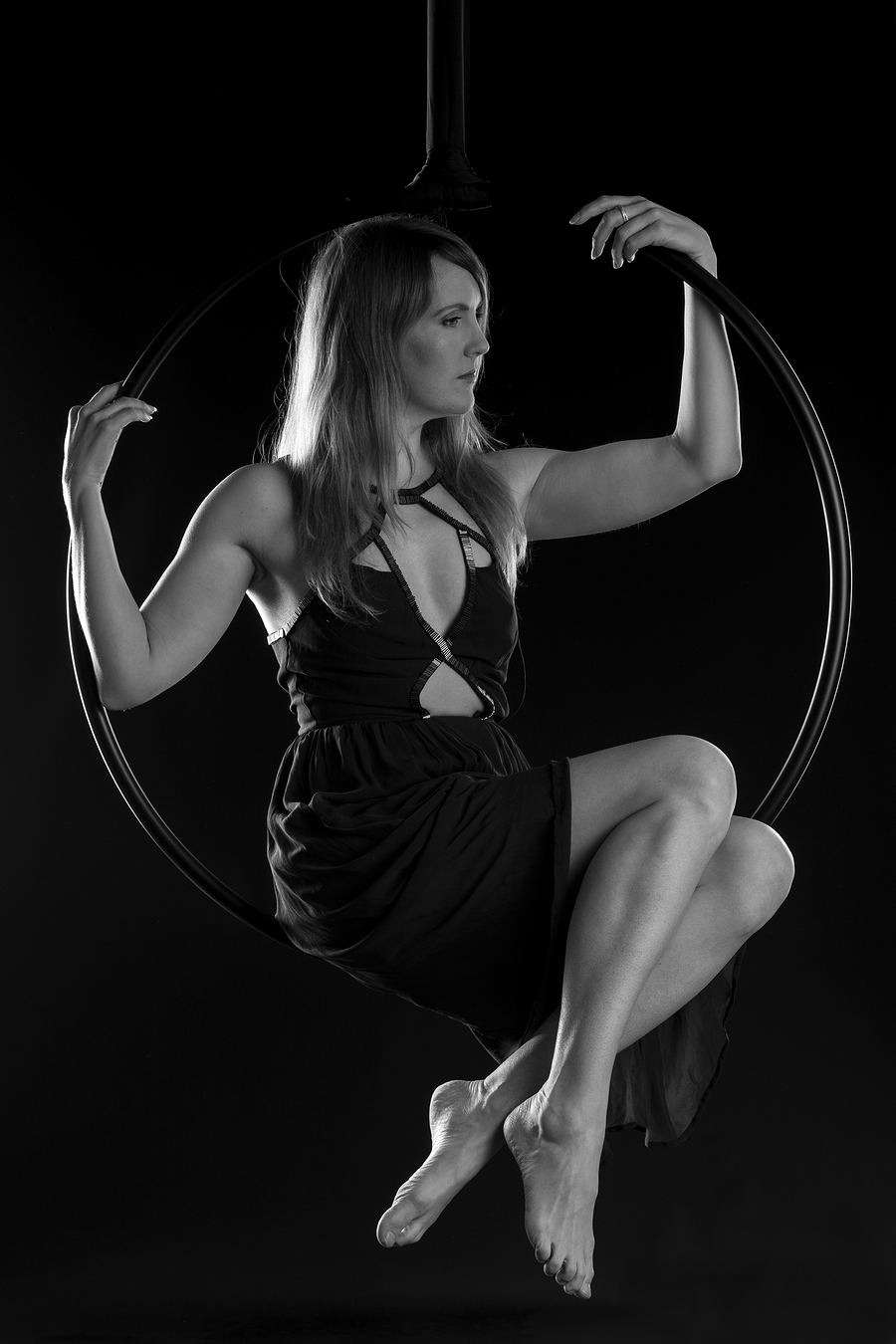 A bit of hanging around in the hoop / Model Natural Happy Woman, Taken at Inspire Studios Ltd / Uploaded 18th April 2018 @ 04:49 PM